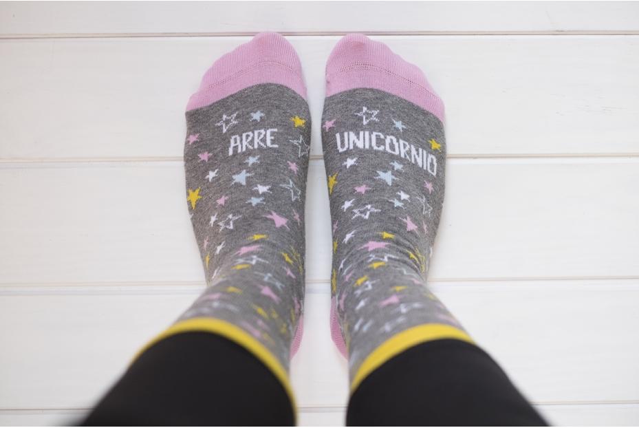 "Mágicos calcetines de ""arre unicornio"""