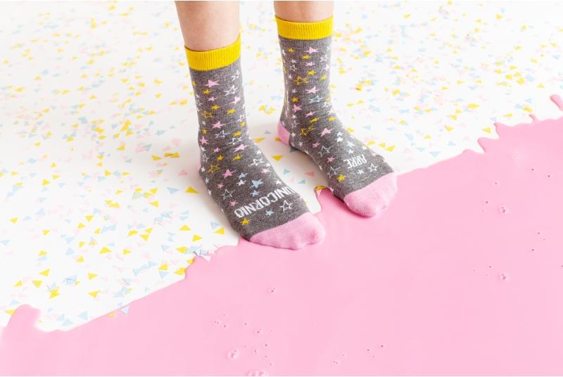 """Originales calcetines """"arre unicornio"""""""